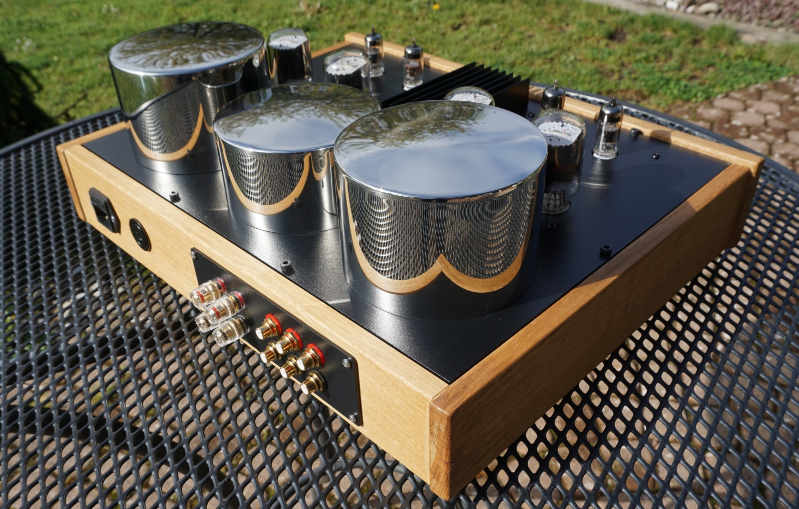 amplifier back view