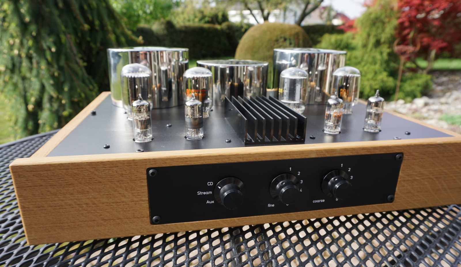 amplifier front view