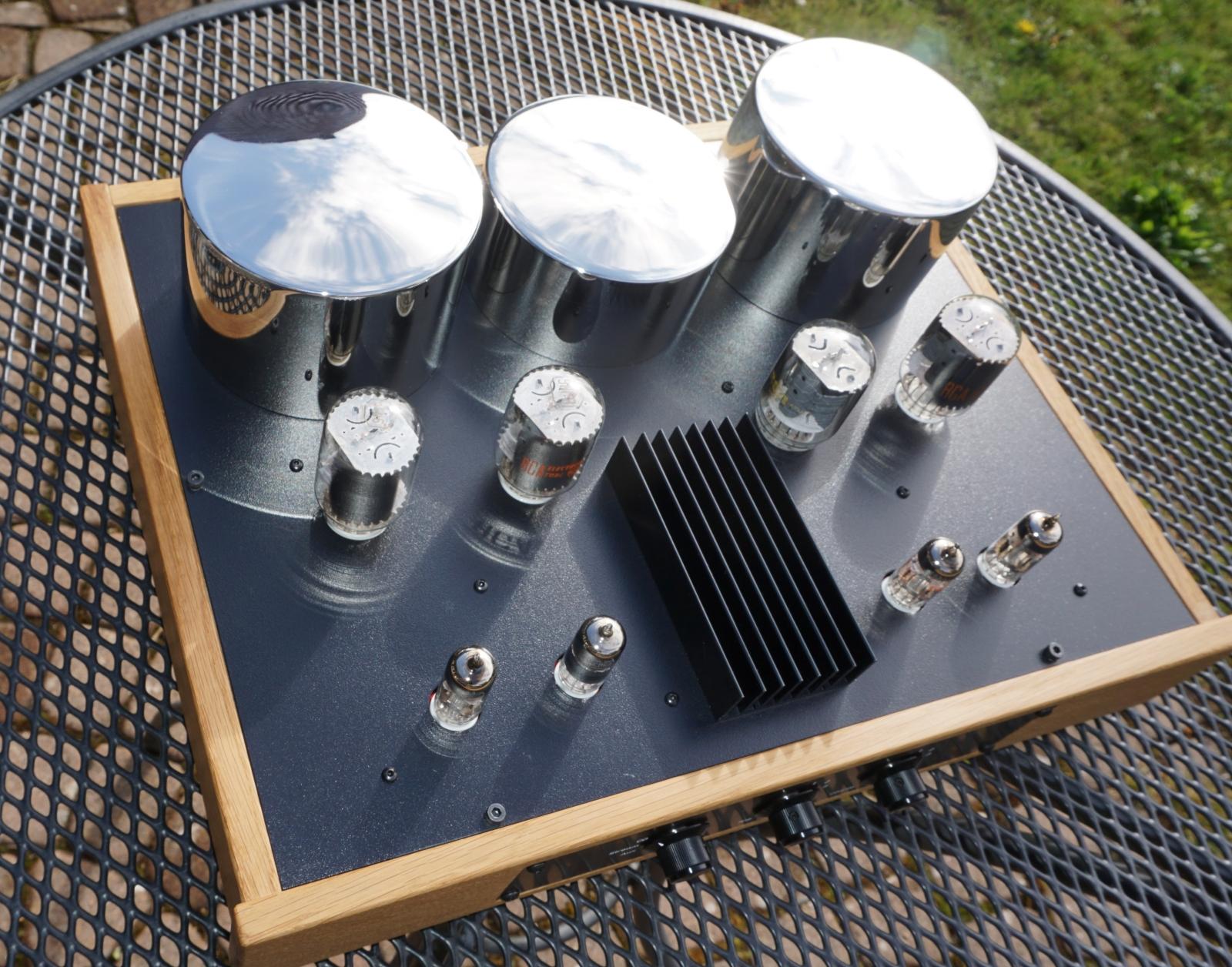amplifier top view